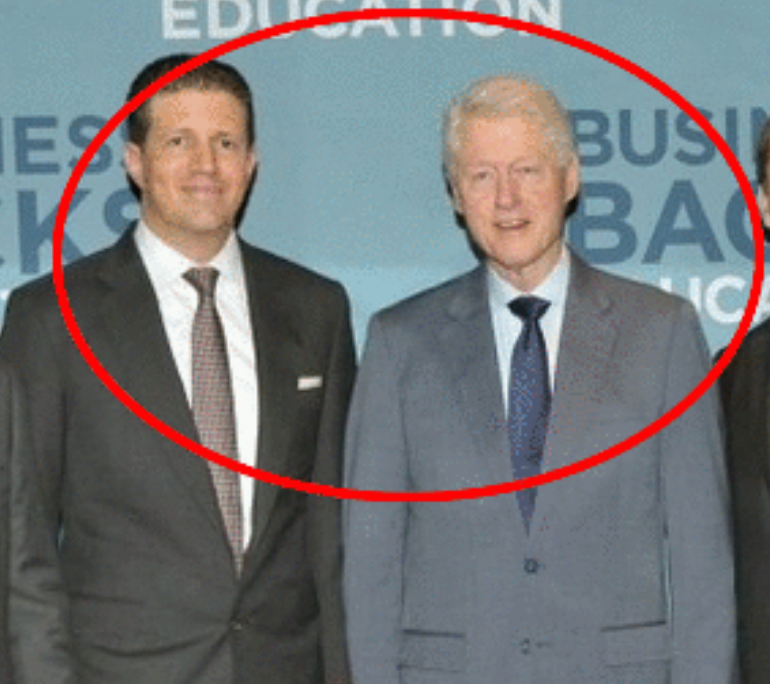 Majid Jafar with Bill Clinton at Business Backs Education in Dubai